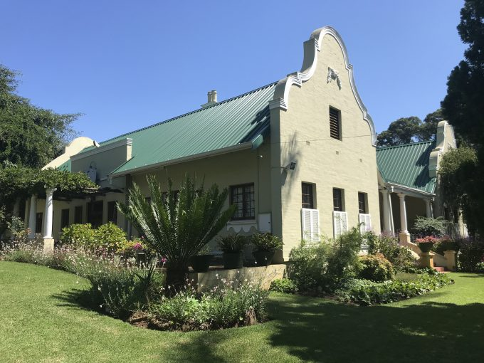 Historic Estate with many possibilities